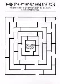 NOAH MAZE Colouring Pages sketch template