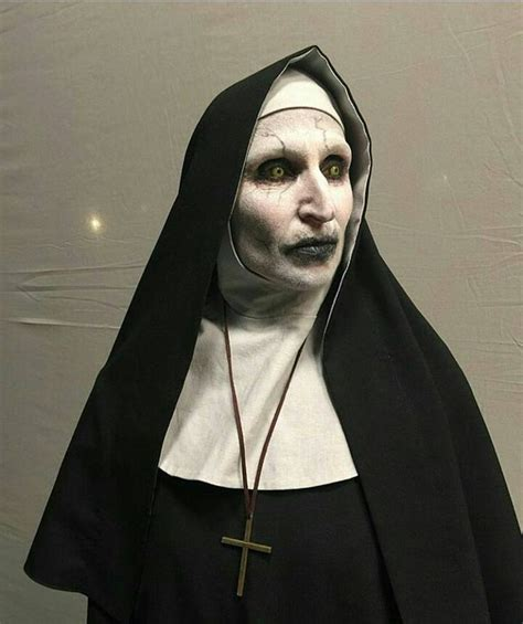 film valak the nun valak halloween costumes pinterest costumes