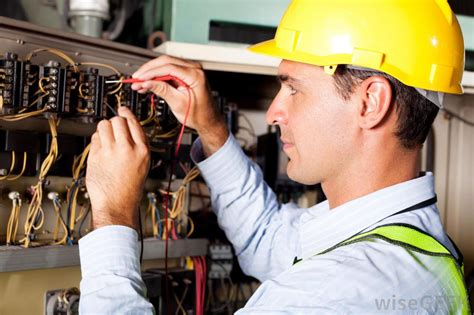 Electric Technician by What Does A Journeyman Electrician Do With Pictures