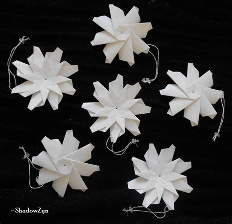 Snowflake Origami - origami snowflake ornaments by shadowzyn on deviantart
