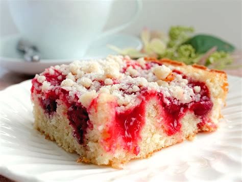 Delicious Cherry Coffee Cake with Crumb Topping   Bunny's
