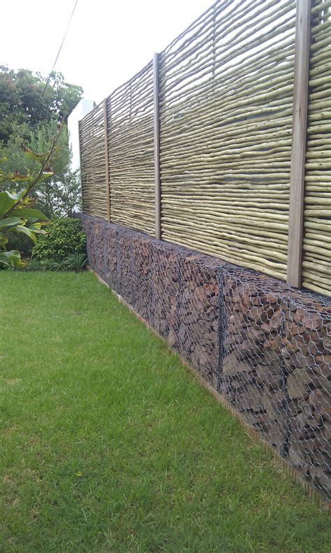 zaun auf mauer decorative screen wall gabions 187 skyhooks and