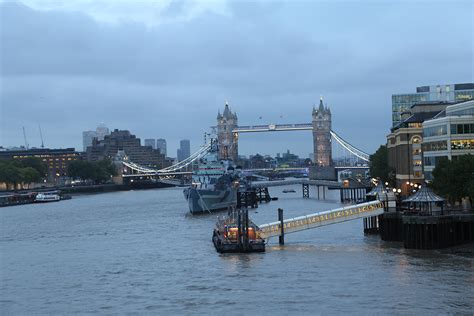 thames clipper tower bridge river thames other things mrs sparky