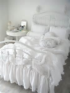 shabby chic bedding white 36 adorable bedding ideas for feminine bedrooms digsdigs