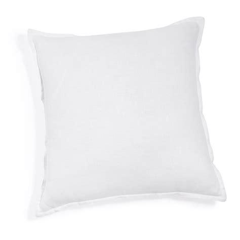 coussins blanc coussin en lav 233 blanc 45 x 45 cm maisons du monde