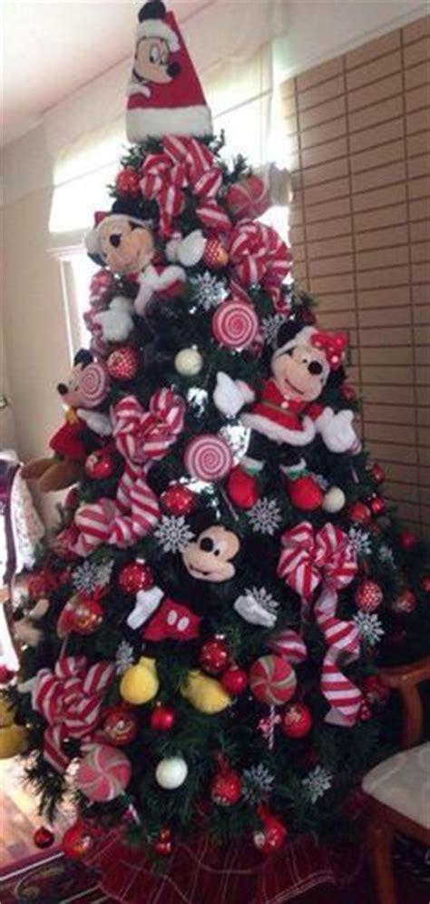 mickey mouse christmas tree holidays pinterest