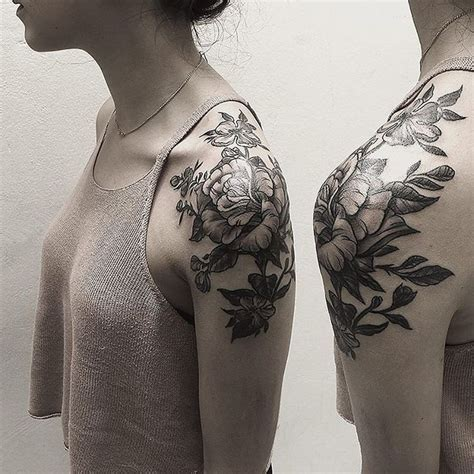 shoulder flower tattoo designs 25 best ideas about flower shoulder tattoos on