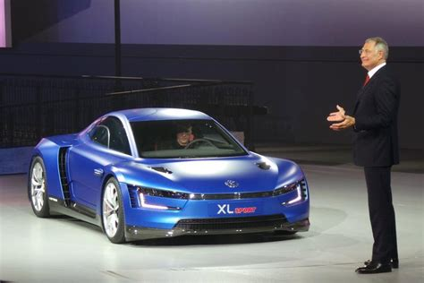 volkswagen xl1 sport ducati powered volkswagen xl sport revealed in paris