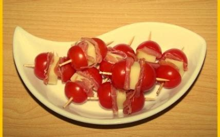 recette brochettes de tomates jambon cru  etorki