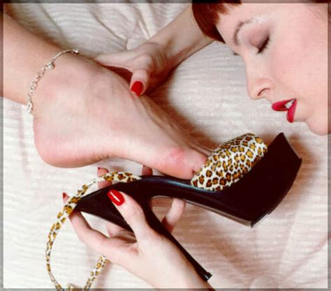 Hotwives and Ankle Bracelets