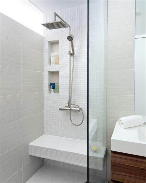 Charmant Amenagement Salle De Bain Petite Surface #3: amenagement-petite-salle-de-bain-douche-pluie.jpg