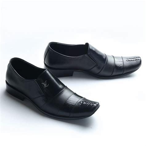 Sepatu Pantofel Pria Cole sepatu kulit pantofel pria formal high quality 9011ht