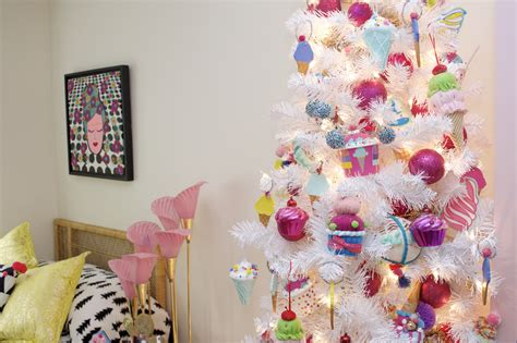 ice cream themed bedroom how to decorate a tween s room for christmas with an ice