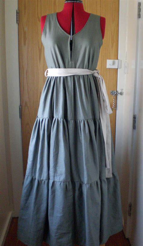 sewing pattern linen dress 3 tiered linen maxi dress sewing projects burdastyle com