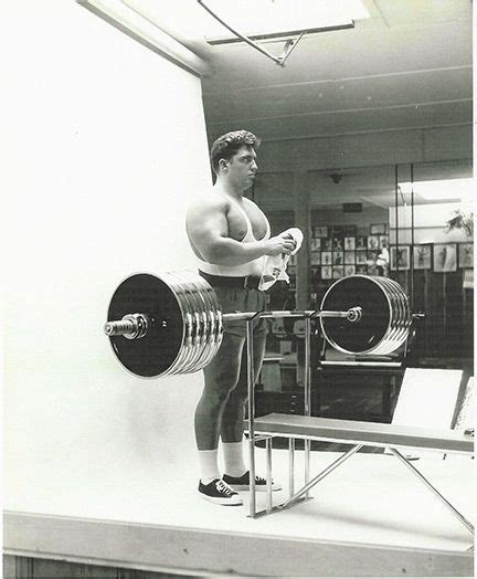bench press powerlifting routine 25 best ideas about bench press on pinterest bench