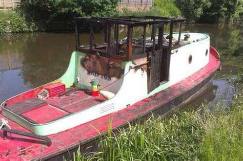 small boats for sale yorkshire police hunt arsonists after historic tug boat gutted in