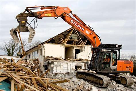 costi demolizione casa demolizione opere abusive le spese spettano al