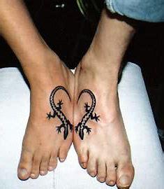 tattoo pour un couple photo un tatouage aux chevilles