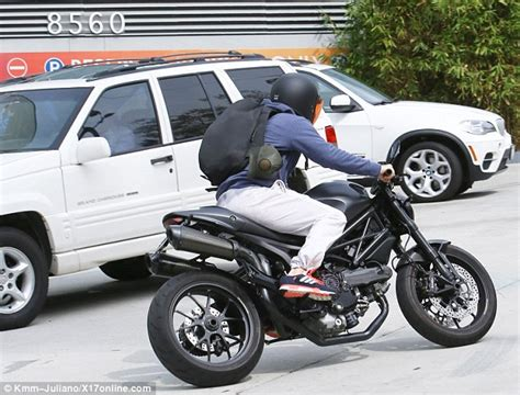 Motorrad Online Email by David Beckham Hides Away Under Motorcycle Helmet As He