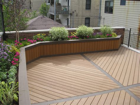 Built In Planter Boxes by Planter Box Using Trex Custom Built Planter Boxes By