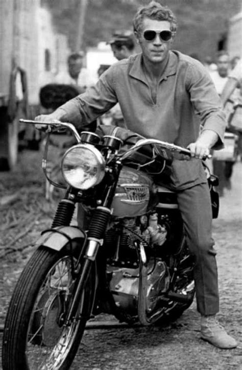 steve mcqueen and his triumph bonneville yup they don t make em like they used to moto