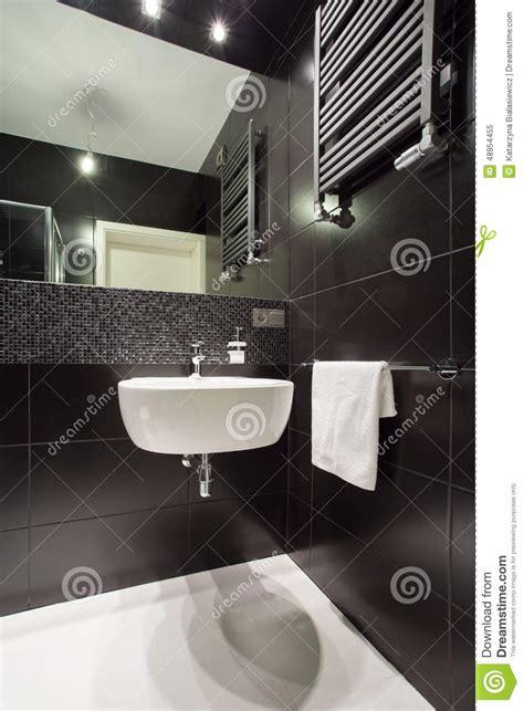 bagno piastrellato bagno piastrellato nero moderno immagine stock immagine