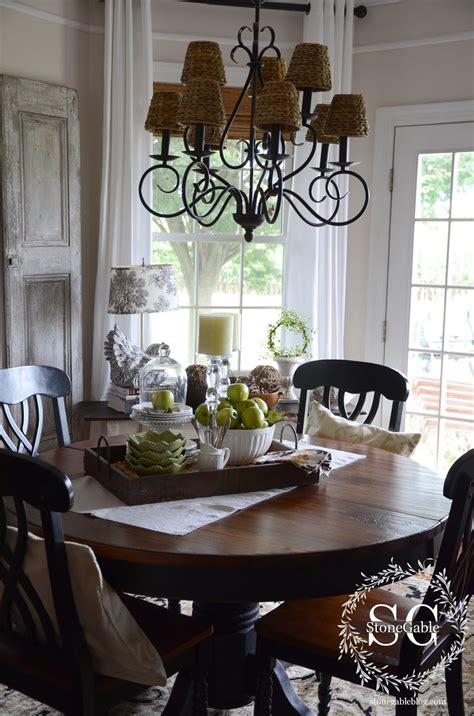 Kitchen Table Decorating Ideas by Dining Table Decor For An Everyday Look Tidbits Twine