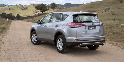 price toyota 2018 toyota rav4 pricing and specs photos 1 of 9