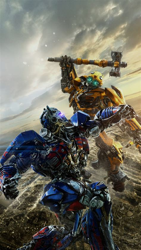wallpaper android transformer bumblebee vs optimus prime transformers the last knight 5k