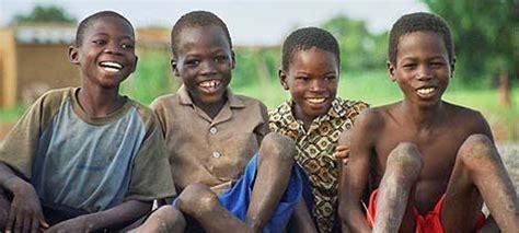 imagenes niños de africa cruz roja ha rescatado de la explotaci 243 n a 2 000 ni 241 os