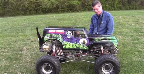 monster trucks cool video the coolest 1 4 scale monster truck ever complete with