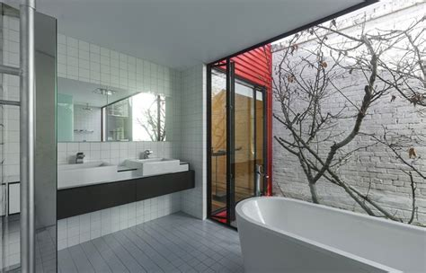Modern Japanese Bathroom Modern Melbourne House With A Japanese Maple At Its