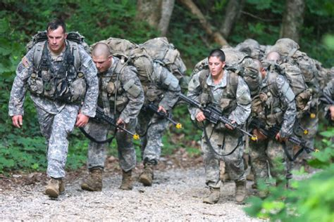 female us army rangers two female officers advance final phase of army ranger school