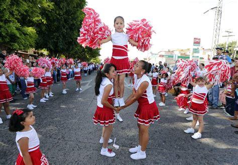 imagenes de desfiles escolares derroche de civismo en desfile de 324 escuelas de