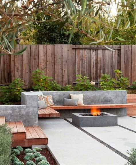 houzz outdoor pits http www houzz photos 2190918 gathering table modern
