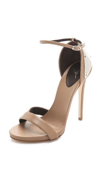 Sandal Kelsey 6899 8a Ori giuseppe zanotti ankle sandals with metal detail on the hunt