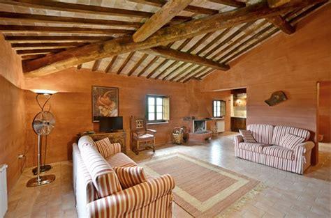 salotto con camino salotto con camino idee per il design della casa
