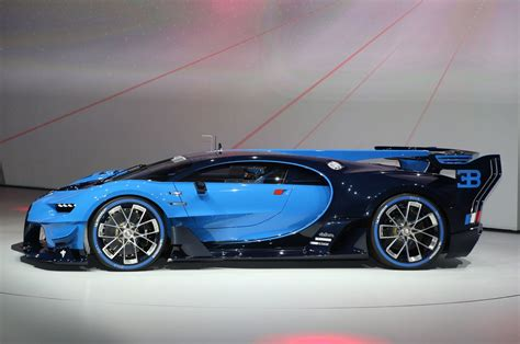 latest bugatti bugatti chiron teased in new video before geneva debut