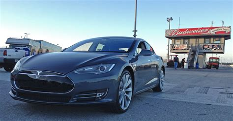 Electric Cars Tesla Model S Tesla Model S Performance Sets World Record For The