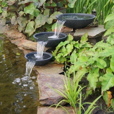 cascate da giardino come fare un laghetto da giardino con cascata
