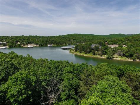 table rock lake vacation rentals with boat slip lakefront cabin on beautiful table rock lake inquire