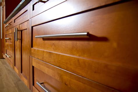 Raised cabinets picture   ImprovementCenter.com