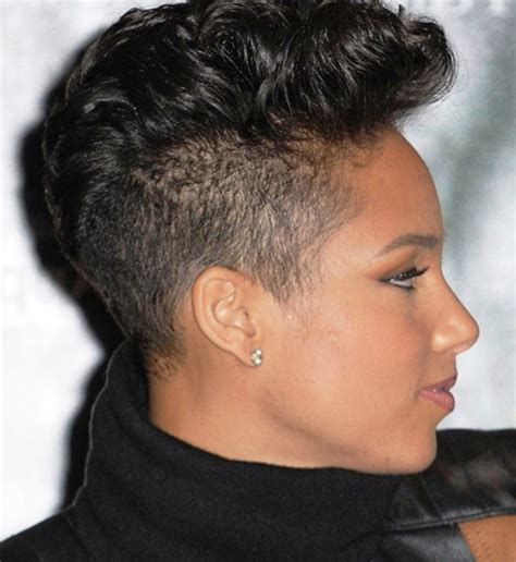 Black Mohawk Hairstyles by 20 Mohawk Hairstyles For To Look Trendy