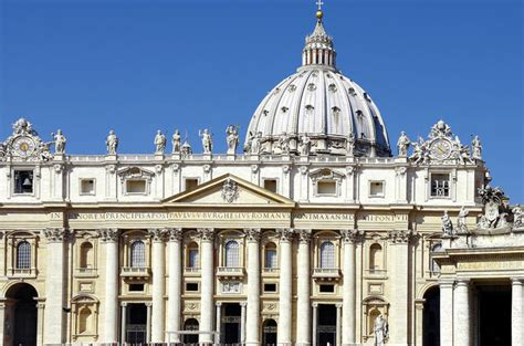 best day to visit vatican history culture