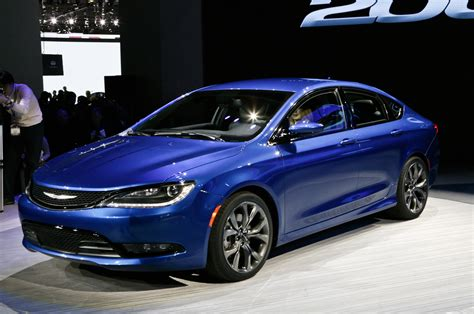 best digital 200 of 2015 2014 2015 chrysler 200 in detroit front side view blue photo 2