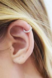 cartilage hoops 17 best ideas about cartilage piercing hoop on cartilage piercings ear peircings