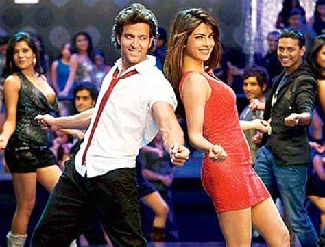 priyanka chopra ka best dance fans go wild for latest krrish 3 song raghupati raghav