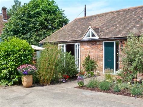 Cottage To Rent In Kent by 1 Ripple Cottages Crundale Godmersham South Of Self Catering Cottage