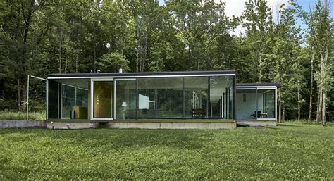 glass house nyc 2m gefter press house was designed as an homage to philip johnson s glass house 6sqft