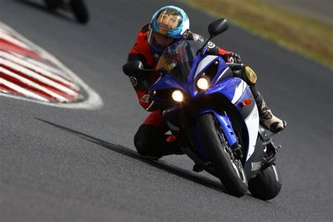 Yamaha Motorrad öl by Yamaha R1 2009 Testbericht